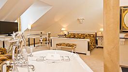 Hotel Seeburg Designer Juniorsuite VERSACE